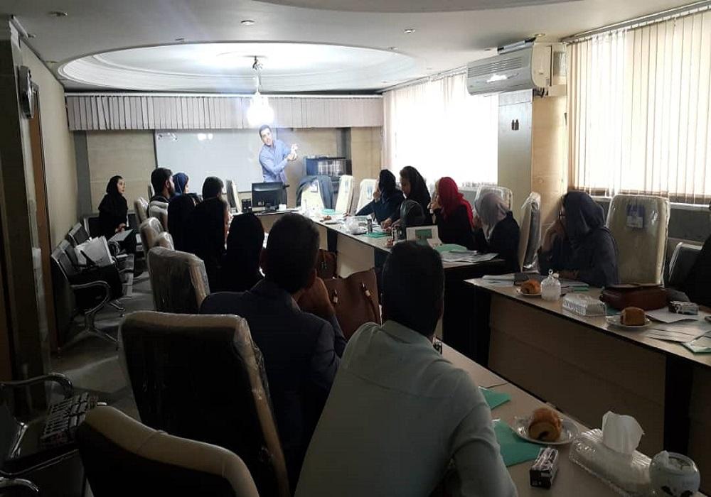 برگزاری برنامه آموزشی در معاونت درمان کرج